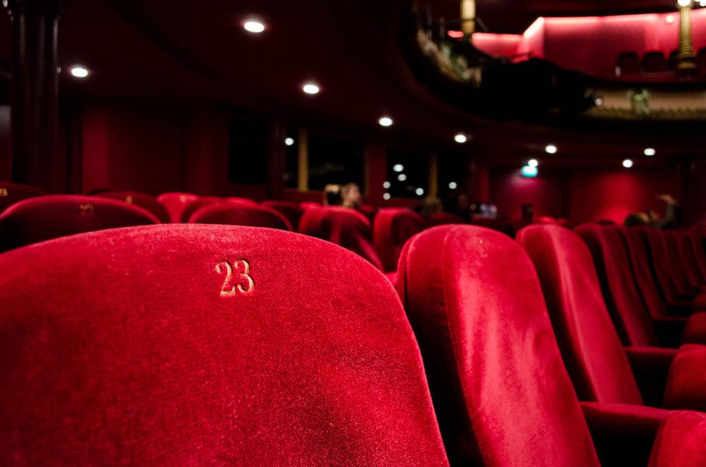 desafios culturales obra de teatr