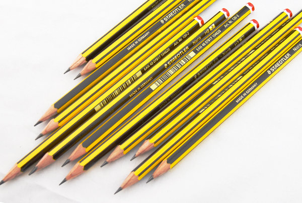 dibujo técnico lápices negros